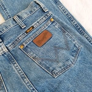 Vintage wrangler high rise slim fit jeans 27x34